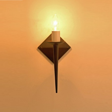 The 'Bulwick' Single Light Candle Wall Light